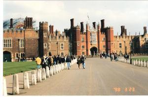 Hampton_court1_2