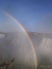 Niagara_avec_larc_en_ciel